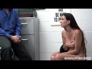 ShoplyfterMylf Artemisia Love - Cat Lady Caught порно porno русский секс домашнее видео brazzers porn hd