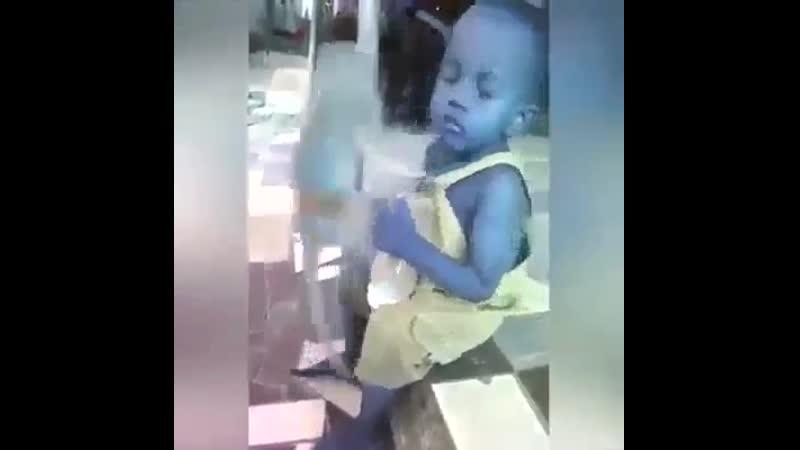 Спокойствию мальчика можно позавидовать 💢