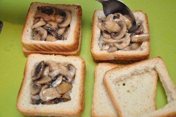 Классные и Вкусные бутерброды Нужно:16 кусочков белого тостерного хлеба (у нас это ровно одна булка);8 пластин ветчины (копченого мяса);1-2 помидора;200 г грибов,4 яйца;100-150 г сыра;1 ст.