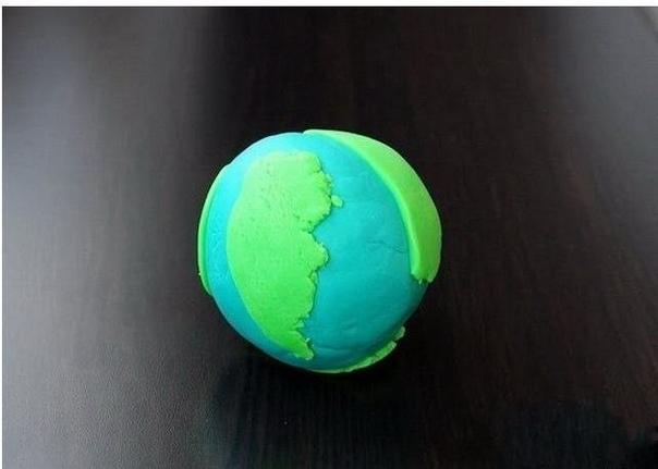 Как сделать макет устройства планеты из пластилина для детей. Это вариант ответа на вопросы маленьких почемучек и наглядное пособие по тому, как устроена наша планета.Вам нужен только пластилин