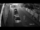 Сливают бензин на Караимской
