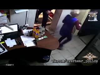 Сотрудники уголовного розыска задержали подозреваемых в разбойном нападении