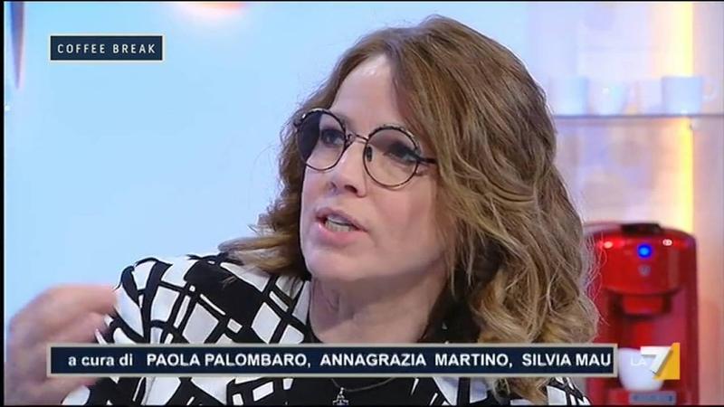 Elisabetta Gardini sui migranti clandestini Non fanno il letto, gettano il cibo, tutti a casa!